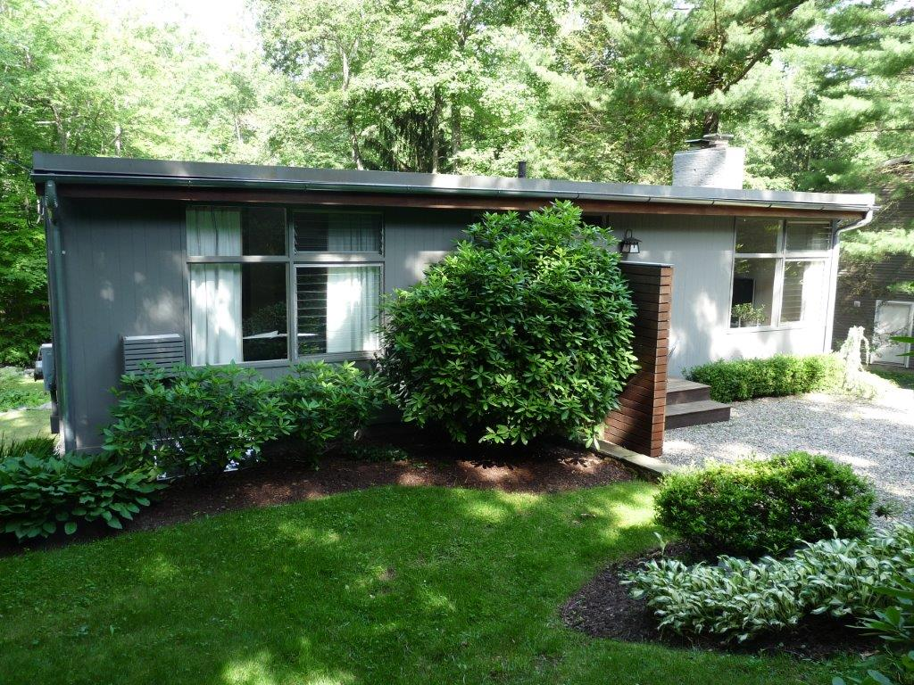 Mid century modern garden shed for Mid century modern shed